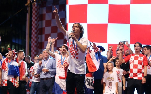 Croatia fans eclipse low-key French in Moscow final build-up