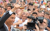 Cristiano Ronaldo gestures as he arrives at the Juventus' medical center in Turin, Italy July 16, 2018. Reuters