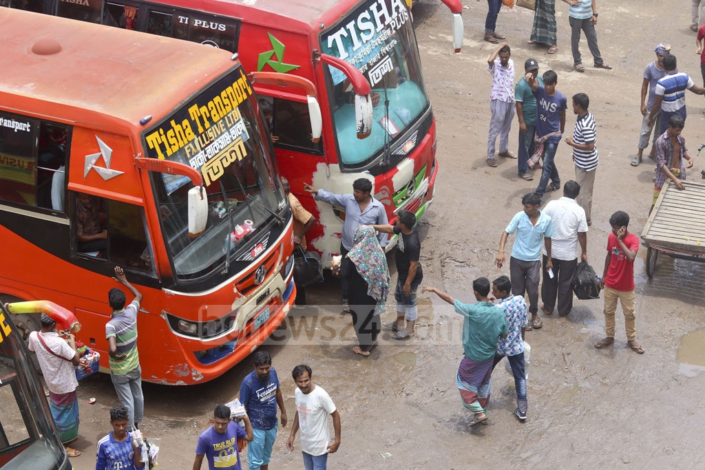 Few passengers were at Dhaka bus terminals on Monday, despite an end to an unannounced strike by bus operators amid student protests for safer roads. Photo: Abdullah Al Momin