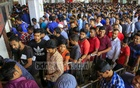 Counters for advance Eid tickets were closed for an hour-and-a-half at Dhaka's Kamalapur Police Station on Saturday due to internet issues. Photo: Mostafigur Rahman