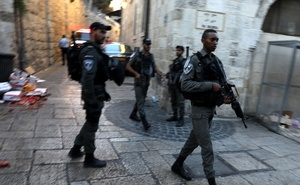 Israeli police secure the site of a suspected stabbing attack in Jerusalem's Old City Aug 17, 2018. Reuters