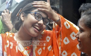 South East University student Jahidul Haque's sister rejoices after his release.