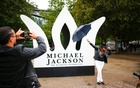 London fans pay tribute to Michael Jackson on 60th birthday