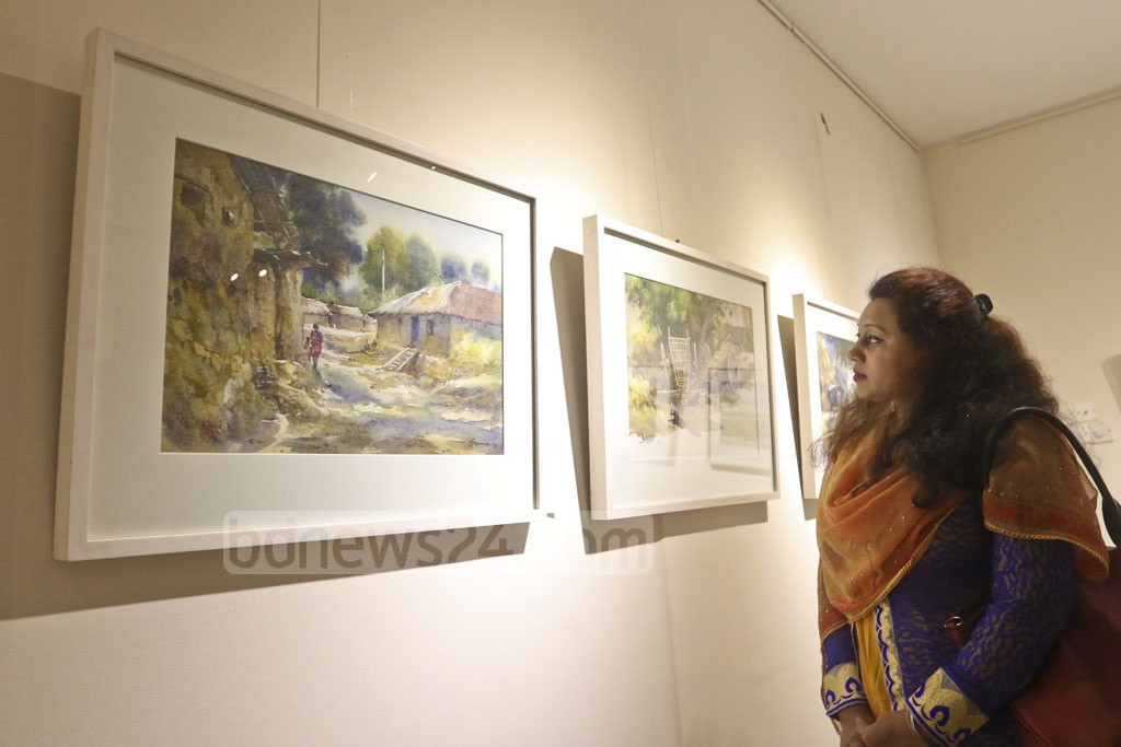 A 15-day group art exhibition titled 'Mrinmoy Bangla' by artists Juton Chandra Roy, Suman Kumar Sarkar, Kamruzzoha and Maneek Bonik opened at Gallery Cosmos in Dhaka on Friday. Photo: Abdullah Al Momin
