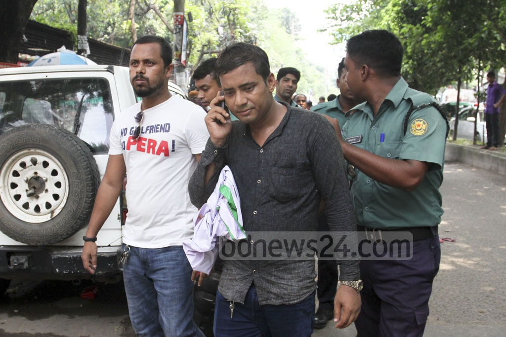 Police detained several BNP leaders and activists from Matsya Bhaban area after end of the party's token hunger strike at the Institution of Engineers, Bangladesh in Dhaka on Wednesday. Photo: Asif Mahmud Ove