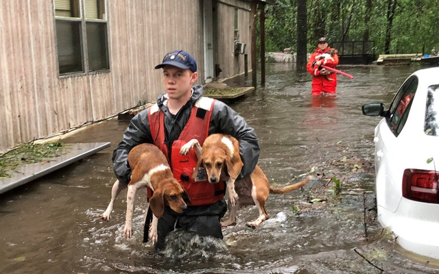 Carolinas' crisis escalates as Florence shows its fiercest face