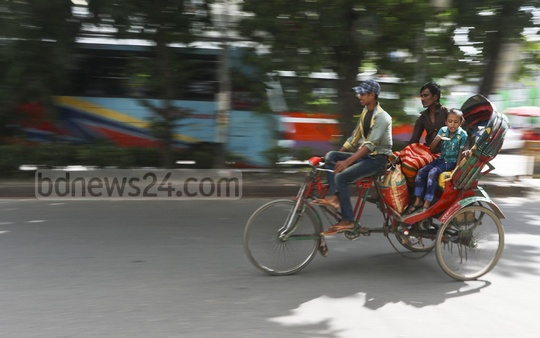 Unauthorised battery-powered rickshaws are seen in different parts of Dhaka. Photo: Abdullah Al Momin