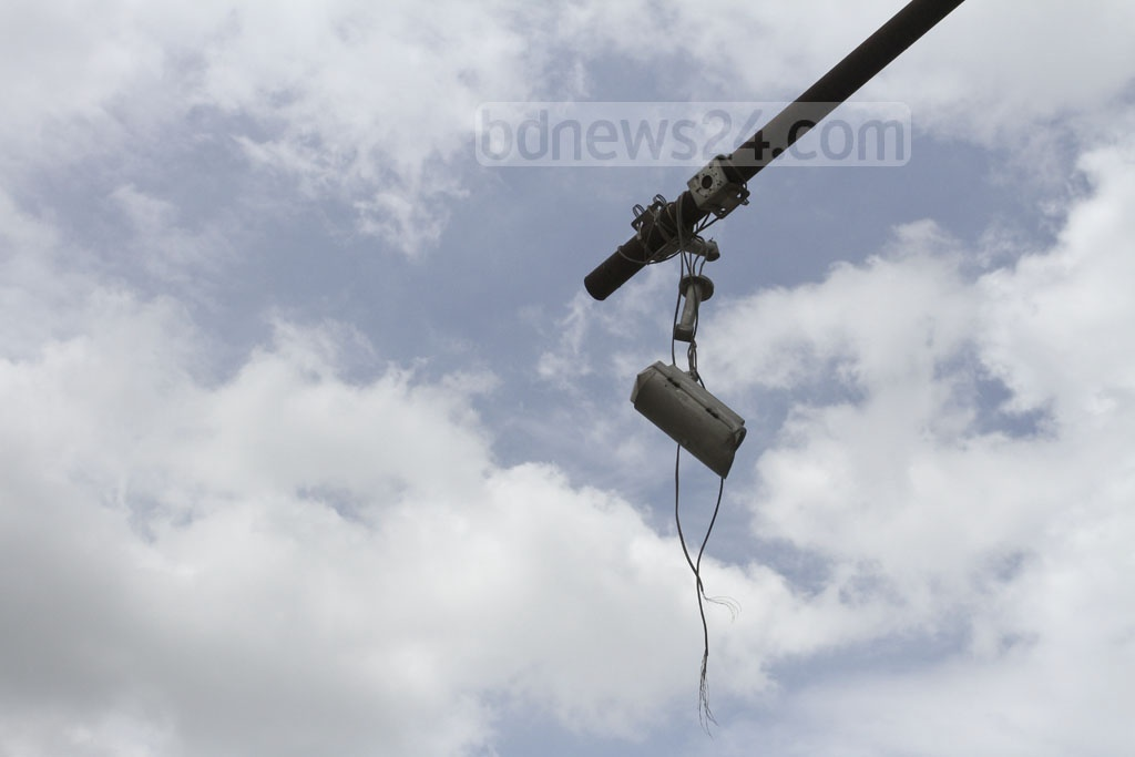 To control criminal offences, surveillance cameras have been installed in Dhaka's Mirpur Beribadh area. Now many of these cameras have gone out of order. Photo: Asif Mahmud Ove