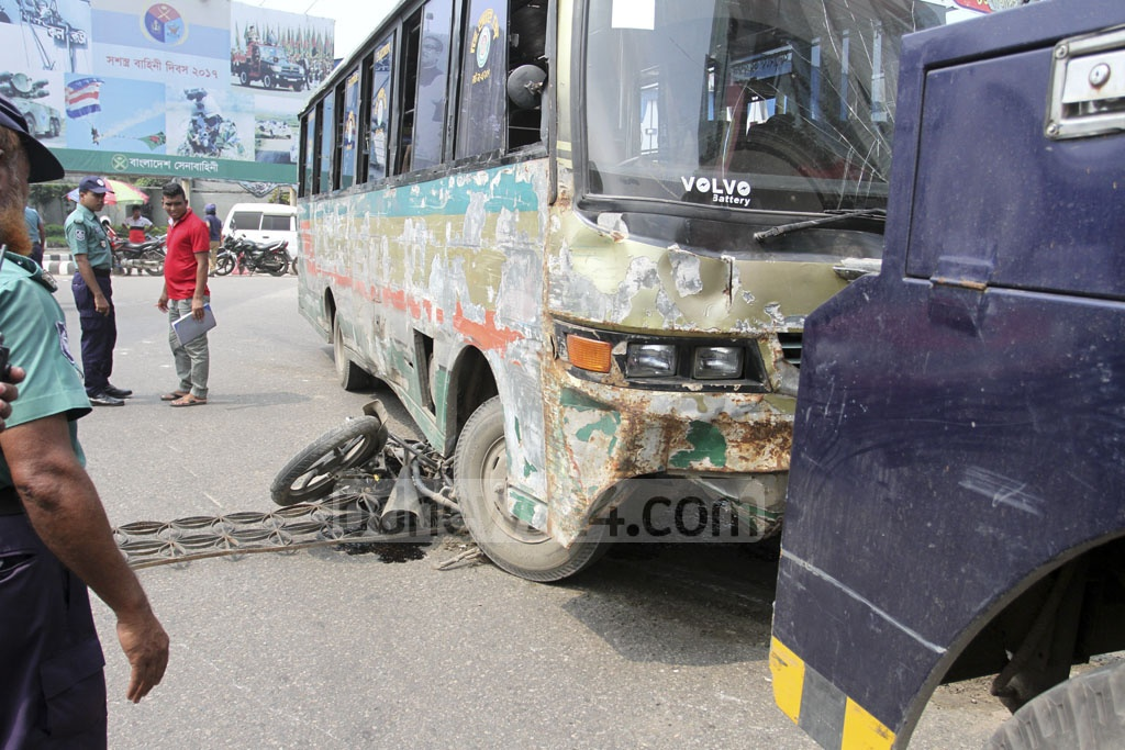 An Ekattor TV employee was killed on Saturday after a bus rammed his motorcycle in the Jahangir Gate area near the Dhaka Cantonment on Saturday. Photo: Asif Mahmud Ove