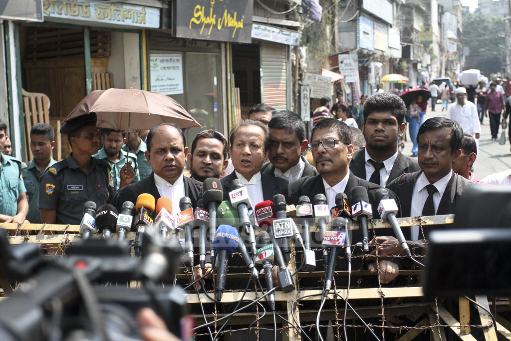 Khaleda Zia's lawyer Sanaullah Mia speaks to the media after a hearing of the Zia Charitable Trust graft case at the temporary Special Judge's Court at the prison on Old Dhaka's Nazimuddin Road on Sunday. Photo: Asif Mahmud Ove