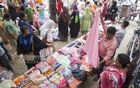 Women mostly shop in the makeshift market at the capital's Rabindra Sarobar in Dhanmondi. Photo: Mostafigur Rahman