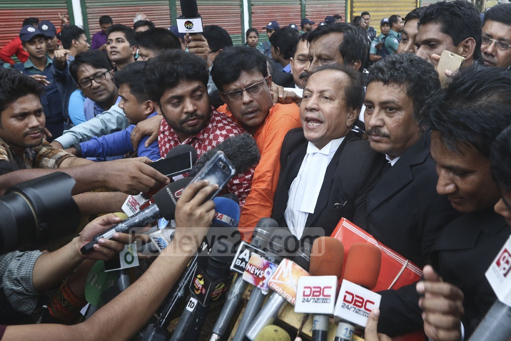 BNP's lawyer Sanaullah Mia speaks to the media on Old Dhaka's Nazimuddin Road after the verdict on the Aug 21 grenade attack case. Photo: Abdullah Al Momin