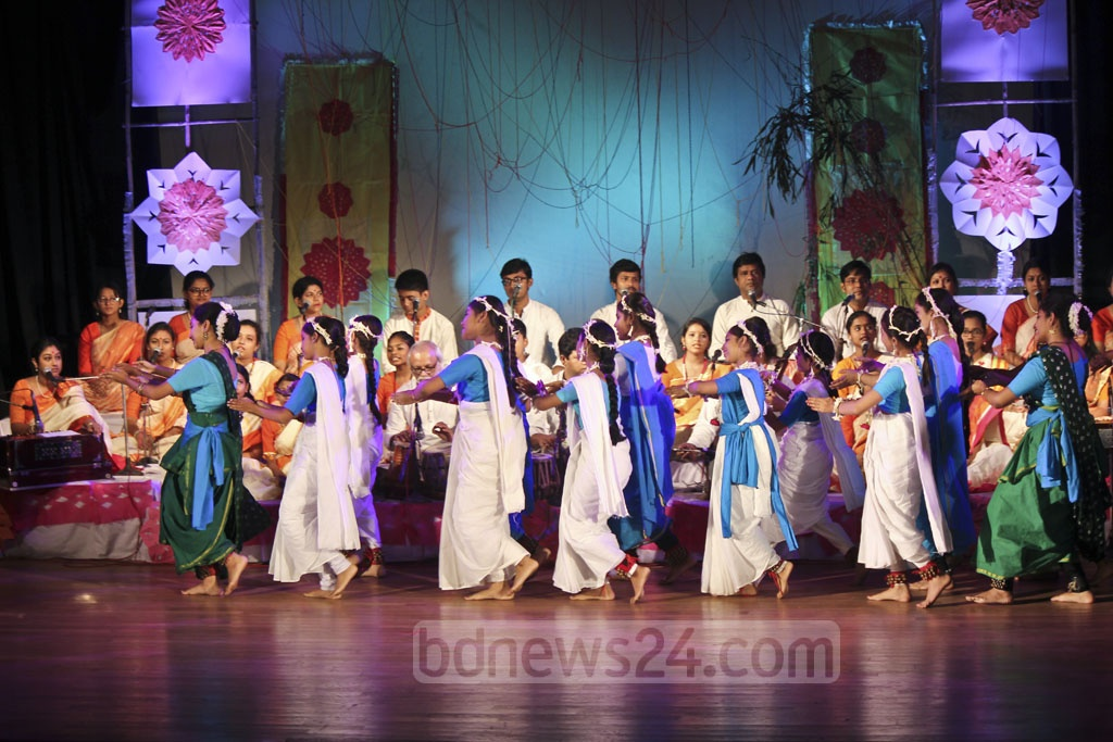 Artistes performing a dance sequence at the Sharat Utsab or autumn festival at the Chhayanaut Auditorium in Dhaka on Friday.