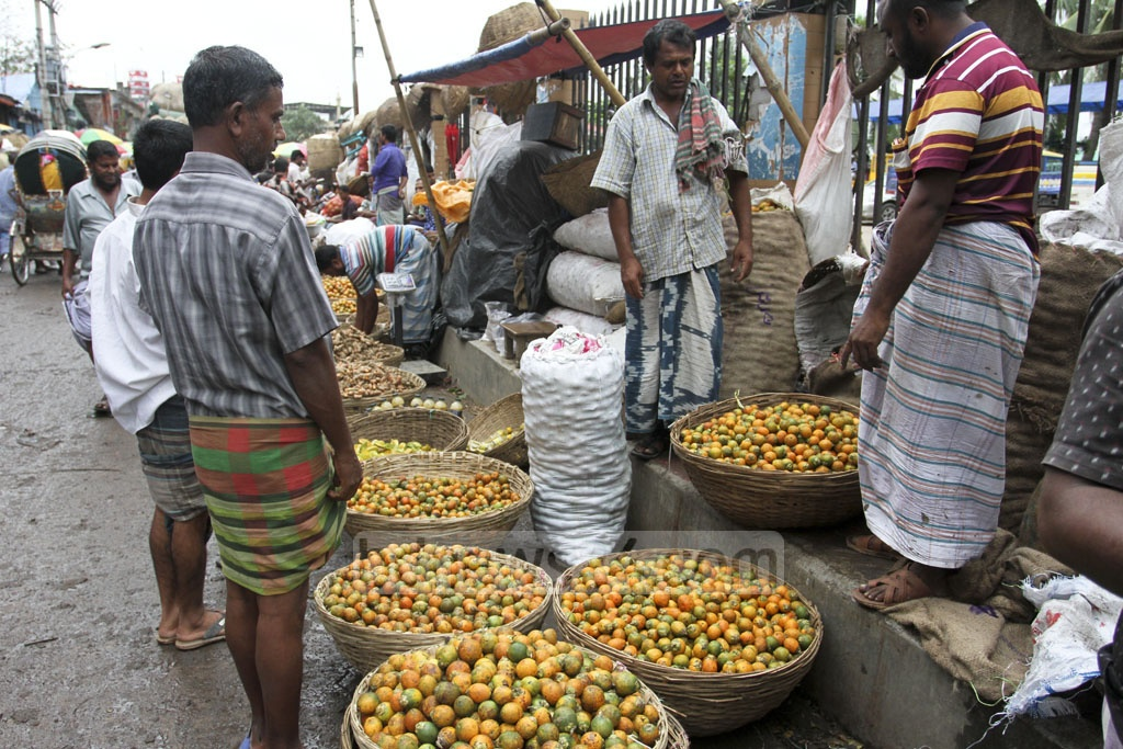 Betel nuts are displayed for sale at Old Dhaka's Shyambazar. Photo: Asif Mahmud Ove