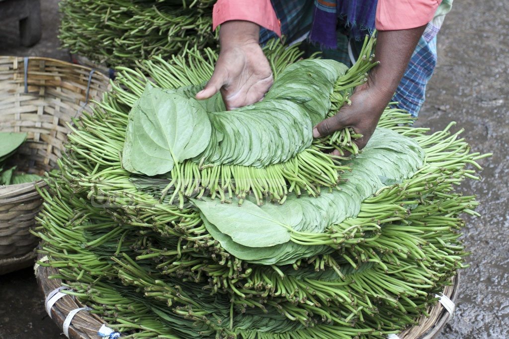 Paan or betel leaf is stacked up for sale at Old Dhaka's Shyambazar. Photo: Asif Mahmud Ove