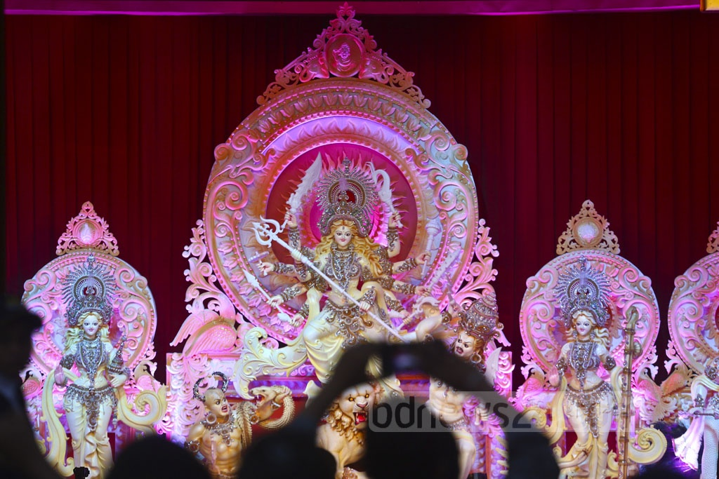 A view of goddess Durga's idol at a Puja venue in Dhaka's Banani on Maha Sasthi on Monday. Photo: Abdullah Al Momin