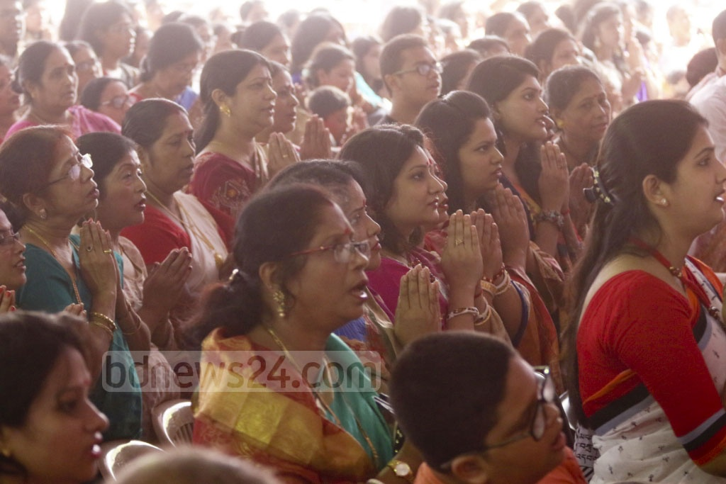 Devotees worship at Dhaka's Ramkrishna Mission on Wednesday, the Durga Puja Maha Ashtami. Photo: Abdullah Al Momin