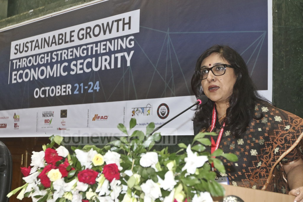 Social sciences faculty Dean Prof Sadeka Halim addressing the seventh session of the Dhaka University National Model United Nations (DUNMUN) at the Senate Building on Sunday. Photo: Abdullah Al Momin