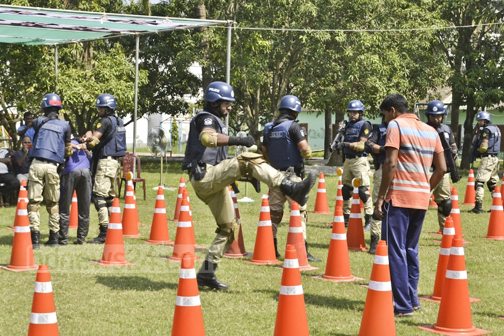 Police launch Crisis Response Team, a special team like the SWAT, in Rajshahi city on Thursday.