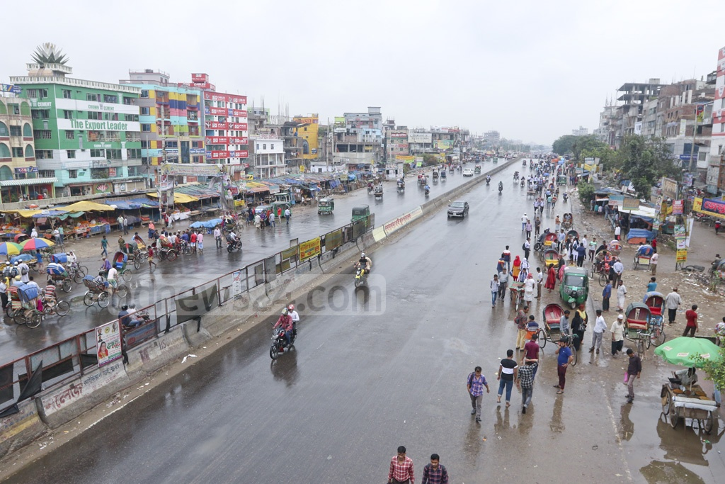 The Dhaka-Chattogram Highway put on a deserted look on Sunday during a nationwide transport strike. This photo was taken from the capital's Shanir Akhrha area. Photo: Abdullah Al Momin