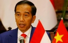 Indonesian President Joko Widodo reads his statement following a signing ceremony at the Presidential Palace in Hanoi, Vietnam Sep 11, 2018. REUTERS
