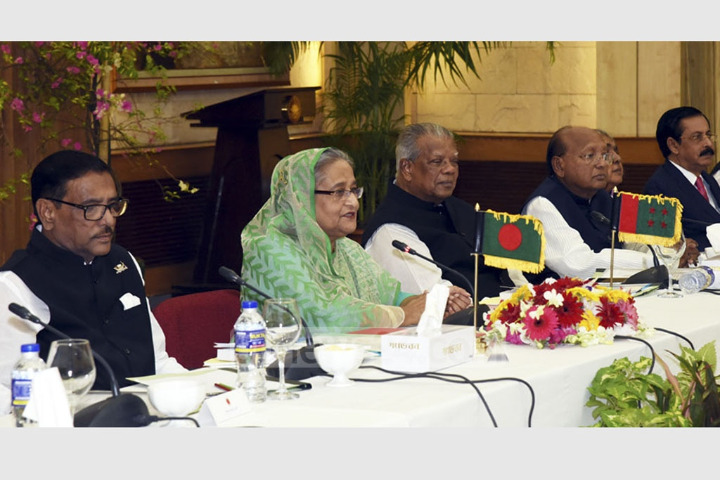 Prime Minister Sheikh Hasina speaking during a dialogue with Jatiya Oikya Front leaders at the Ganabhaban in Dhaka on Thursday. Photo: Saiful Islam Kallol