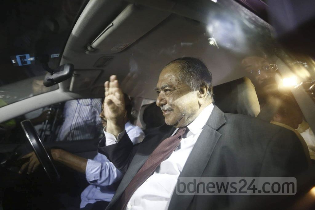 Dr Kamal Hossain, head of the Jatiya Oikya Front team, leaving the Ganabhaban after over three and a half hours of talks with Awami League chief Sheikh Hasina on Thursday. Photo: Asif Mahmud Ove