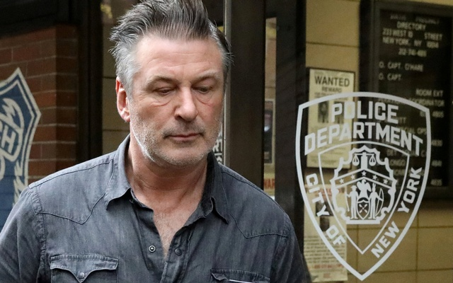 Actor Alec Baldwin exits the 6th precinct of the New York Police Department in Manhattan, New York, US, November 2, 2018. Reuters