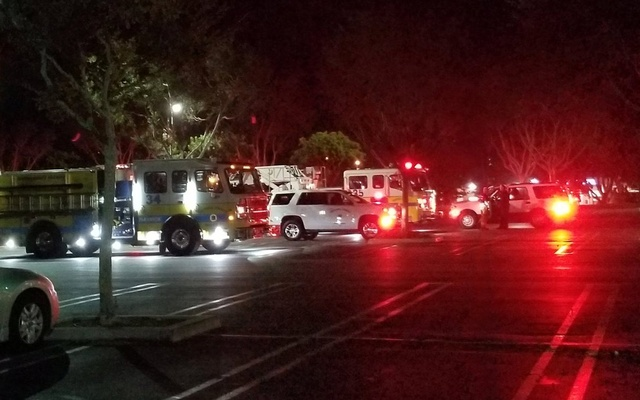 First responders are seen outside Borderline Bar and Grill in Thousand Oaks, California, US Nov 7, 2018. REUTERS