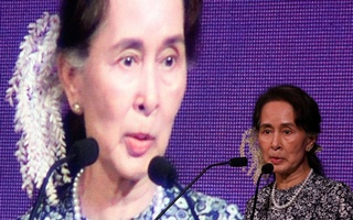 Myanmar's State Counsellor Aung San Suu Kyi speaks at the ASEAN Business and Investment Summit in Singapore, November 12, 2018. Reuters