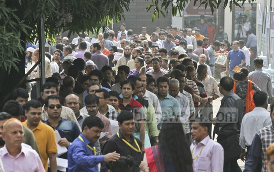 The Income Tax Fair at the Officers' Club in Dhaka is abuzz with taxpayers on Friday.