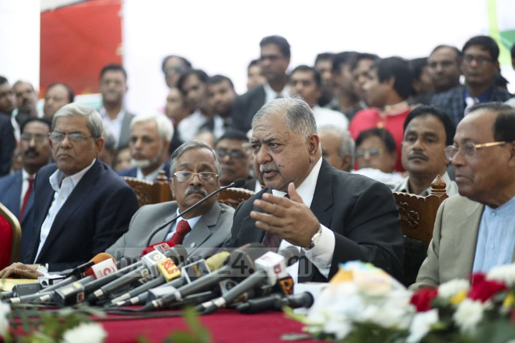 Dr Kamal Hossain attends a national lawyers rally organised by the Jatiya Oikya Front at the Supreme Court premises on Saturday. Photo: Asif Mahmud Ove