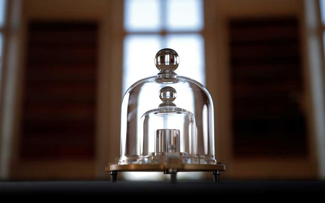 A replica of the International Prototype Kilogram is pictured at the International Bureau of Weights and Measures (BIPM) in Sevres near Paris, France, Nov 14, 2018. REUTERS