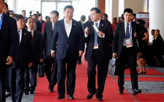 China's President Xi Jinping leaves APEC Haus, during the APEC Summit in Port Moresby, Papua New Guinea Nov 18, 2018. REUTERS