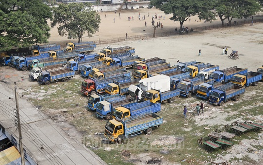 The Dhupkhola ground in Old Dhaka is occupied by vehicles. This photo was taken on Tuesday. Photo: Abdullah Al Momin