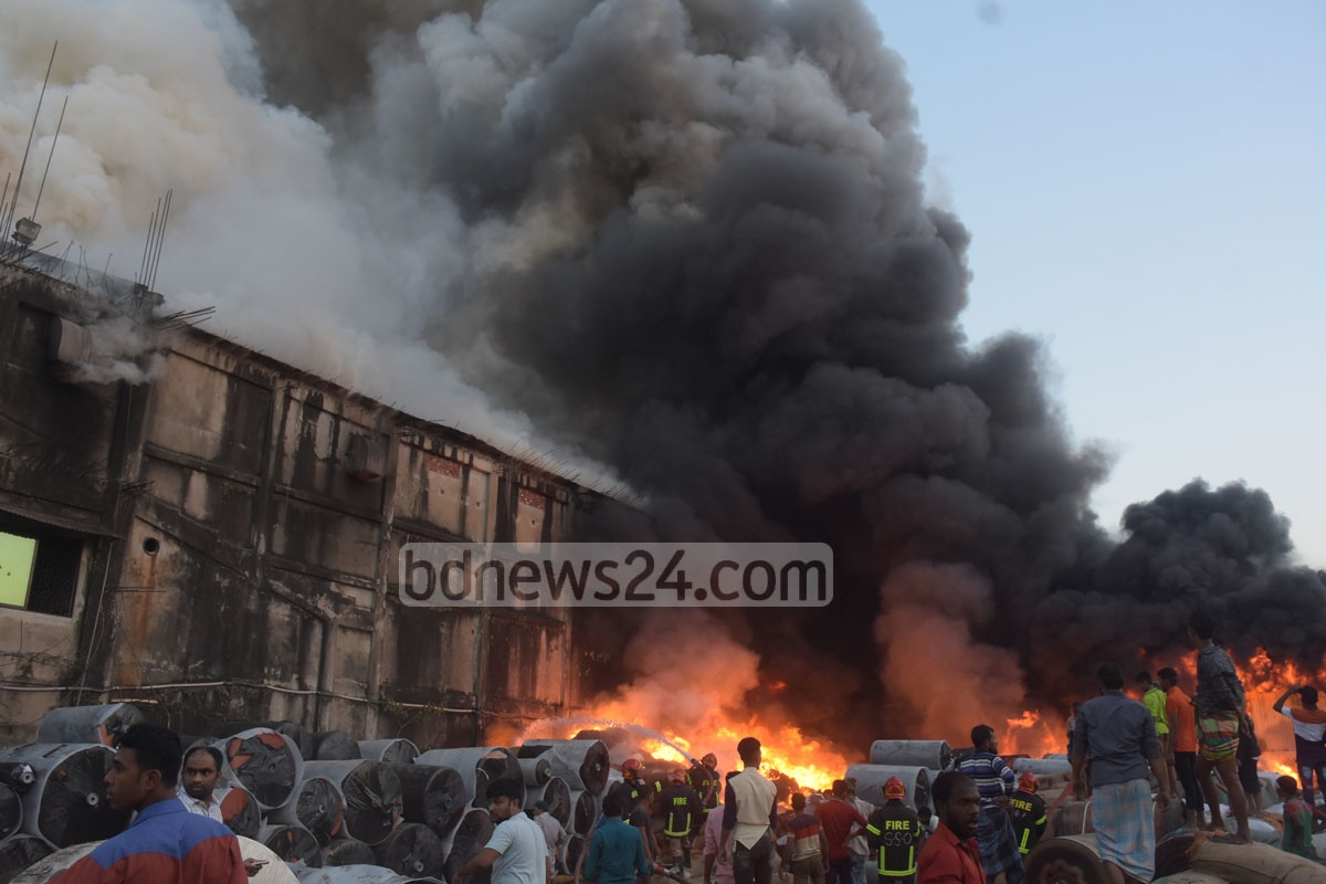 A fire devastated a yarn warehouse and the Purobi Cinema Hall on Friday. It took around two hours for 14 units of the Fire Service and Civil Defence to bring it under control. Photo: Suman Babu