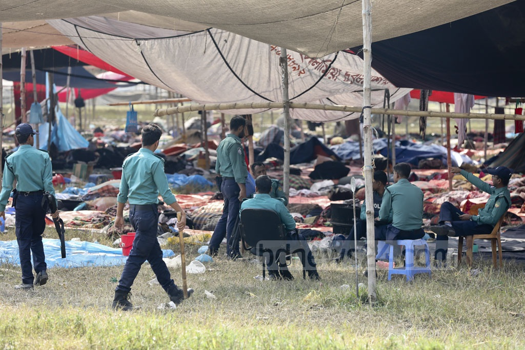 The law-enforcing agencies have taken control of the Biswa Ijtema ground in Tongi after Saturday's clashes between two Tabligh Jamaat factions left one dead. This photo was taken on Sunday.