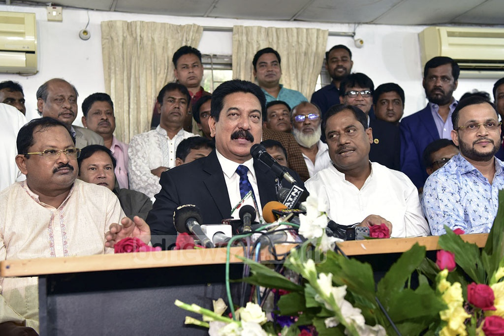 Newly appointed Jatiya Party Secretary General Mashiur Rahman Ranga speaking at a news conference at its Banani offices in Dhaka on Monday.