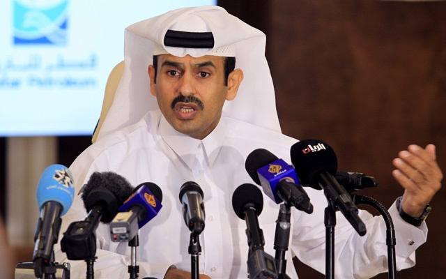 Saad al-Kaabi, chief executive of Qatar Petroleum, gestures as he speaks to reporters in Doha, Qatar, Jul 4, 2017. REUTERS/Naseem Zeitoon/File Photo