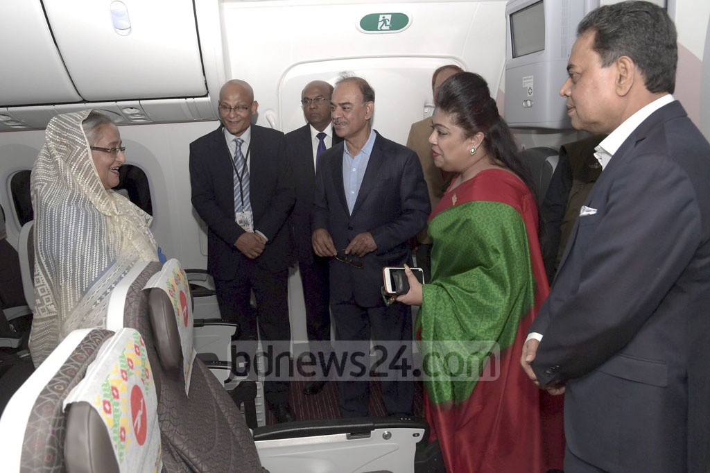 Prime Minister Sheikh Hasina inspecting 'Hangsabalaka', the second Boeing 787-8 Dreamliner recently added to the fleet of Biman Bangladesh Airlines, at Shahjalal International Airport in Dhaka on Wednesday. Photo: ABM Aktaruzzaman / PID
