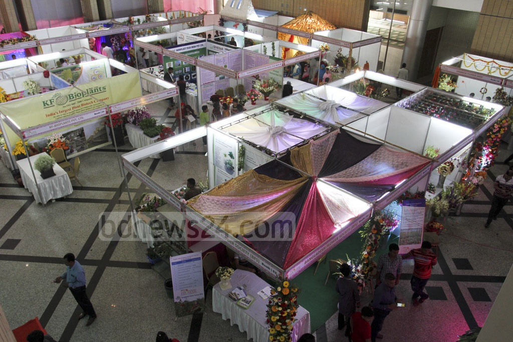 The three-day long 'International Flower Exhibition and Conference 2018' organised by the Dhaka Chamber of Commerce and Industry (DCCI) began at the Bangabandhu International Conference Centre on Thursday. Photo: Asif Mahmud Ove