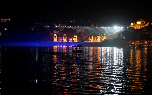 A view of illuminated Oberoi Udaivilas hotel, the venue for pre-wedding celebrations of Isha Ambani, daughter of the Chairman of Reliance Industries Mukesh Ambani, is seen in Udaipur, in the desert state of Rajasthan, India, December 8, 2018. Reuters