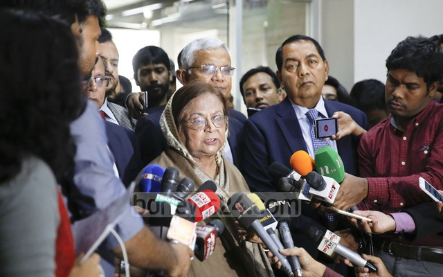 BNP Vice-Chairperson Selima Rahman speaking to the media after meeting EC Secretary Helal Uddin Ahmed.