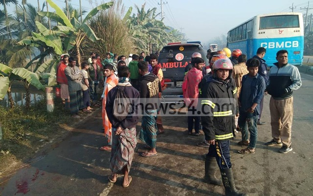 Three farmworkers die in Mymensingh road accident
