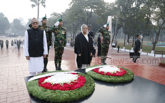 President Md Abdul Hamid and Prime Minister Sheikh Hasina pay tribute to the martyred intellectuals at the Martyred Intellectuals Memorial at Mirpur in Dhaka on Friday.