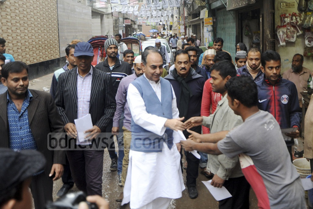 BNP candidate for Dhaka-8 Mirza Abbas campaigning at Malibagh on Monday.