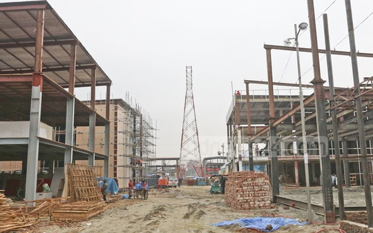 Large and small pavilions are under construction on the site of the 28th Dhaka International Trade Fair in Sher-e-Bangla Nagar. Photo: Abdullah Al Momin