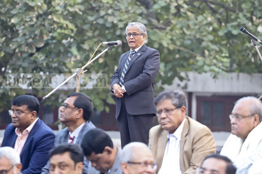 Dhaka University Vice-Chancellor Md Akhtaruzzaman addressing a rally of the Professionals' Coordination Council at the Central Shaheed Minar in Dhaka on Sunday. The council at the programme urged all to vote for the pro-independence forces and boycott those who stand against the Liberation War spirit. Photo: Abdullah Al Momin