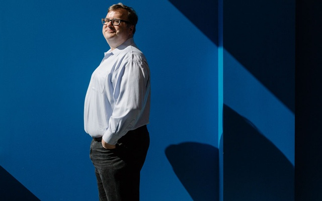 Reid Hoffman at the LinkedIn offices in Sunnyvale, Calif, Jun 28, 2017. Hoffman, the tech billionaire whose money was spent on Russian-style social media deception in a Senate race in 2017, apologized on Dec 26, 2018, saying he had not approved the operation and did not support such tactics in American politics. The New York Times