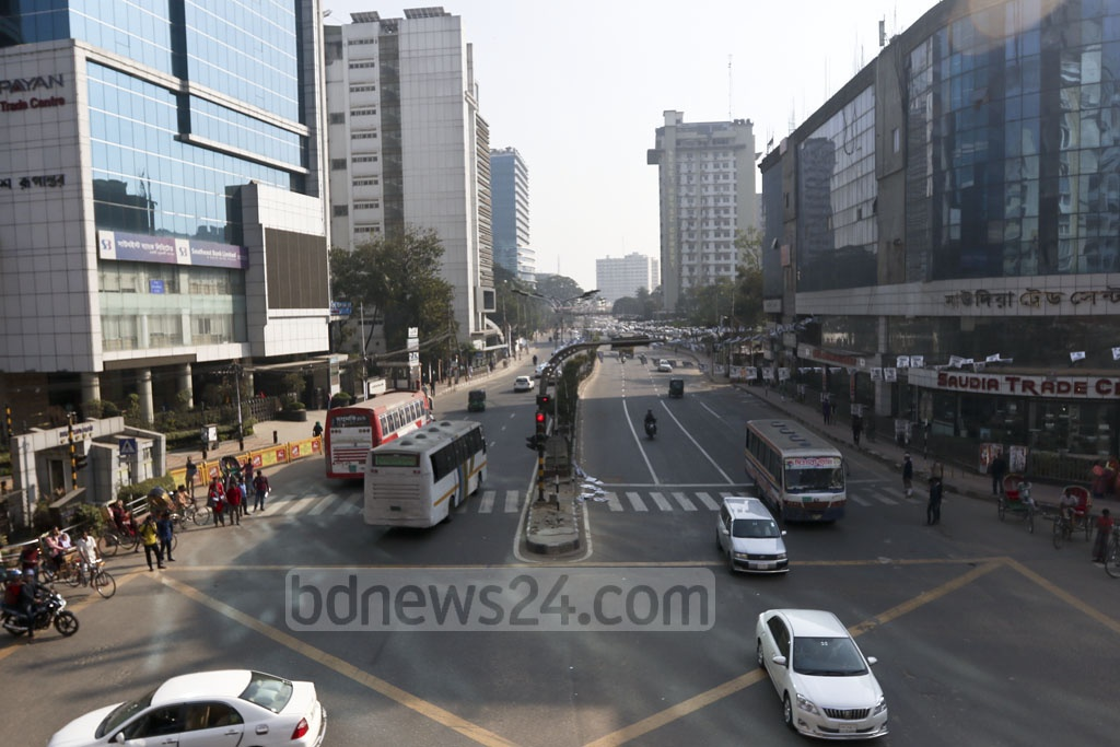 Just a day left before the election and most offices have closed. The streets were nearly empty at Dhaka's Bangla Motor on Friday. Photo: Mahmud Zaman Ovi